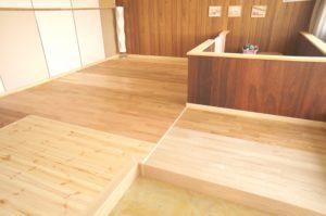 高松市 自然素材 無垢床 樹種クリ、タモ、他